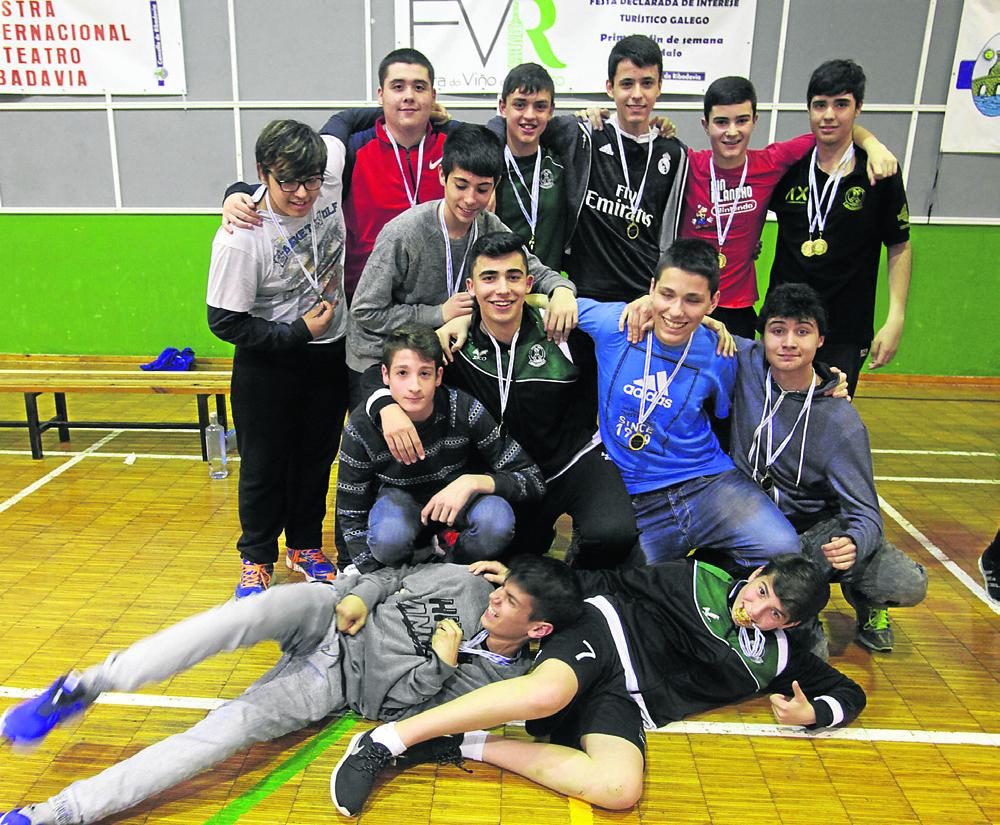 Ribadavia. 28-05-2016. Copa Deputación de balonmano. Cadetes pabellón. Paz