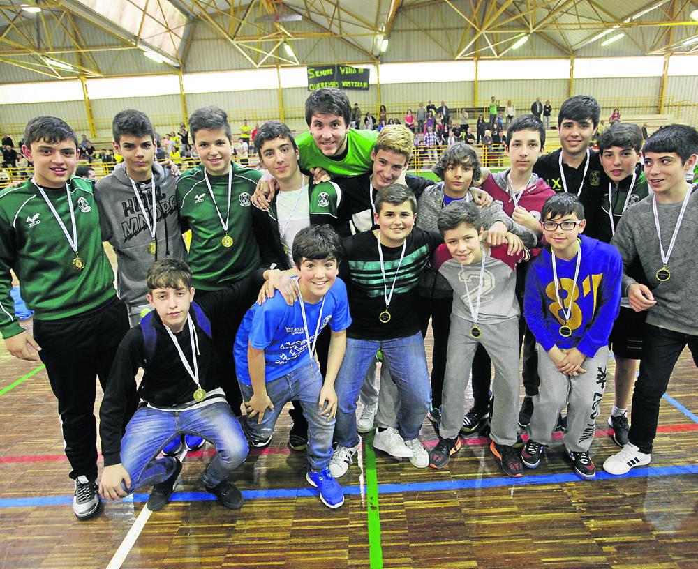 Ribadavia. 28-05-2016. Copa Deputación de balonmano. Pabellón Infantil. Paz